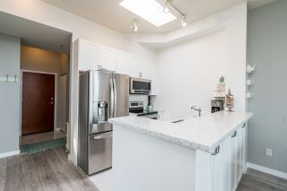 "Photo 7: PH7 2733 CHANDLERY Place in Vancouver: South Marine Condo for sale in ""RIVERDANCE"" (Vancouver East)  : MLS®# R2555993"