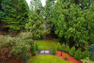 Photo 3: 1041 PROSPECT Avenue in North Vancouver: Canyon Heights NV House for sale : MLS®# R2591433