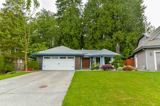 Photo 1: 16146 BROOKSIDE GROVE in Surrey: Fraser Heights House for sale (North Surrey)  : MLS®# R2427183
