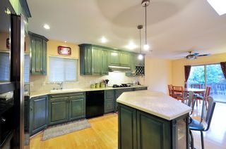 Photo 5: 5545 MORELAND DRIVE in Burnaby: Deer Lake Place House for sale (Burnaby South)  : MLS®# R2035415