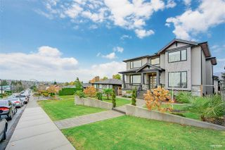 """Photo 3: 3963 NAPIER Street in Burnaby: Willingdon Heights House for sale in """"BURNABY HIEGHTS"""" (Burnaby North)  : MLS®# R2518671"""