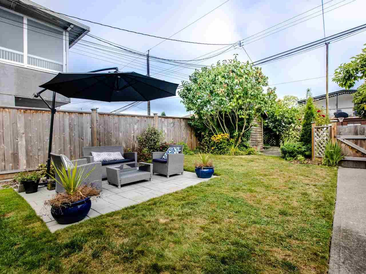 Photo 15: Photos: 4653 UNION STREET in Burnaby: Capitol Hill BN House for sale (Burnaby North)  : MLS®# R2493161