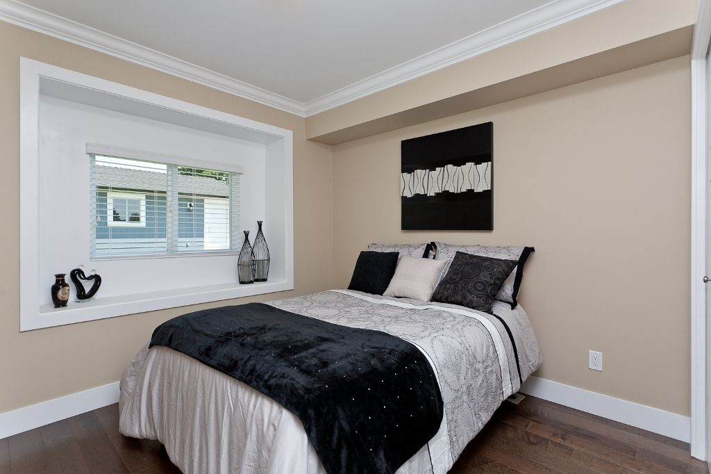 Photo 12: Photos: 369 MUNDY Street in Coquitlam: Coquitlam East House for sale : MLS®# V951722