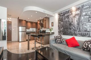 """Photo 1: 1204 1250 BURNABY Street in Vancouver: West End VW Condo for sale in """"THE HORIZON"""" (Vancouver West)  : MLS®# R2425959"""