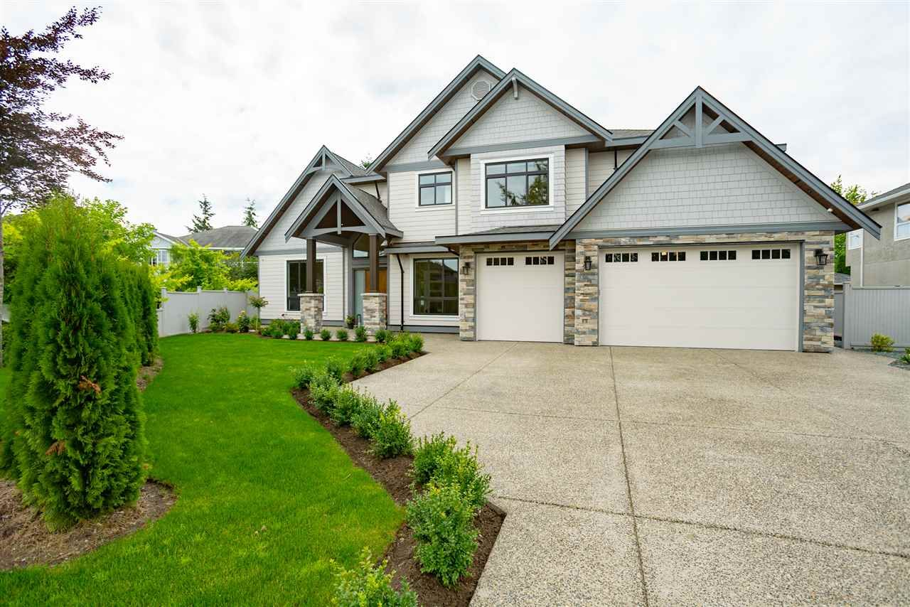 """Main Photo: 4605 222A Street in Langley: Murrayville House for sale in """"Murrayville"""" : MLS®# R2387087"""