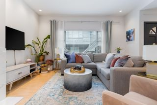 """Photo 2: 819 W 7TH Avenue in Vancouver: Fairview VW Townhouse for sale in """"Ballentyne Square"""" (Vancouver West)  : MLS®# R2620009"""