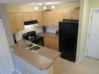 """Photo 6: 2218 244 SHERBROOKE Street in New Westminster: Sapperton Condo for sale in """"COPPERSTONE"""" : MLS®# R2142042"""