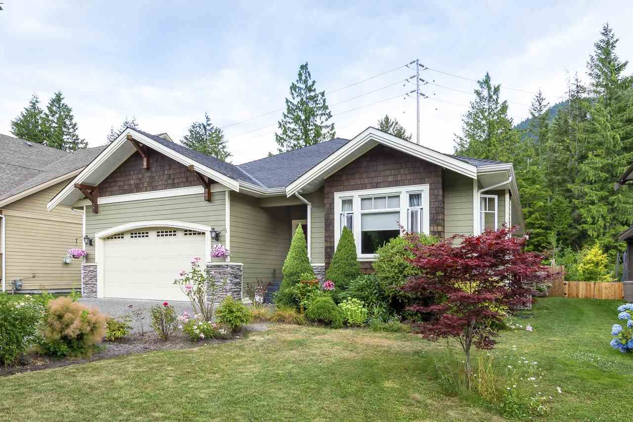 """Main Photo: 41424 DRYDEN Road in Squamish: Brackendale House for sale in """"BRACKEN ARMS"""" : MLS®# R2561228"""
