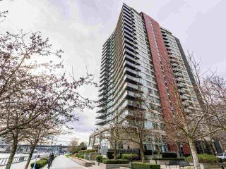 "Photo 3: 806 8 SMITHE Mews in Vancouver: Yaletown Condo for sale in ""FLAGSHIP"" (Vancouver West)  : MLS®# R2549159"