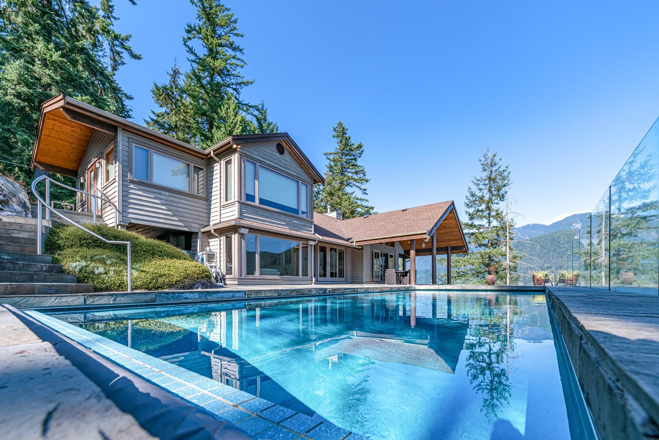 Main Photo: 5772 SUNSHINE FALLS Lane in North Vancouver: Woodlands-Sunshine-Cascade House for sale : MLS®# R2613401