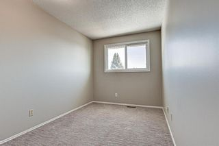 Photo 13: 137 Woodglen Way SW in Calgary: Woodbine Semi Detached for sale : MLS®# A1092343