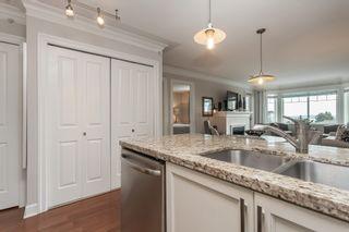 "Photo 19: PH9 15357 ROPER Avenue: White Rock Condo for sale in ""REGENCY COURT"" (South Surrey White Rock)  : MLS®# R2425808"