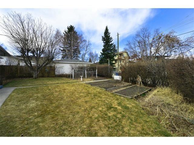 Photo 20: Photos: 2016 23 Avenue SW in Calgary: Richmond Park_Knobhl House for sale : MLS®# C4004301