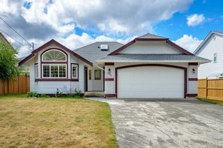 Photo 1: 3347 Westwood Rd in : CV Cumberland House for sale (Comox Valley)  : MLS®# 853839