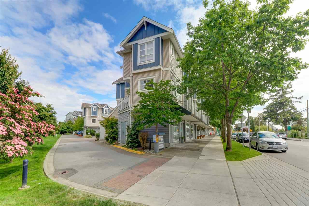 """Main Photo: 1 13028 NO. 2 Road in Richmond: Steveston South Townhouse for sale in """"WATERSIDE VILLAGE"""" : MLS®# R2465182"""