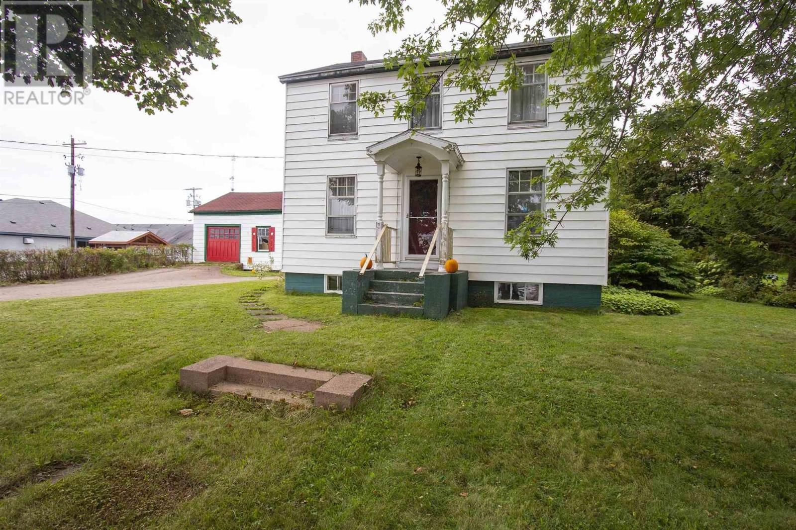 Main Photo: 3 Sproule Street in Springhill: House for sale : MLS®# 202124075