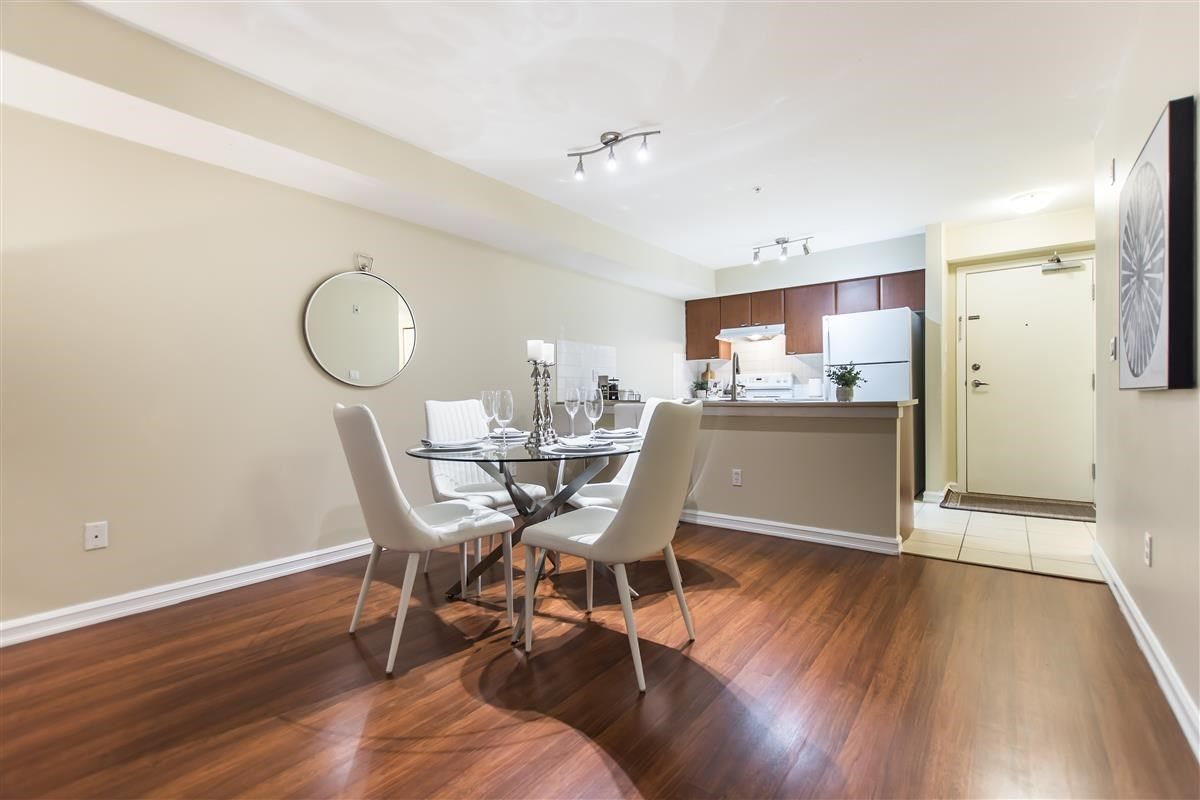 """Photo 4: Photos: 312 10088 148 Street in Surrey: Guildford Condo for sale in """"GUILDFORD PARK PLACE"""" (North Surrey)  : MLS®# R2526530"""