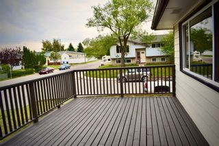 Photo 5: 415 Penswood Road SE in Calgary: Penbrooke Meadows Detached for sale : MLS®# A1137729