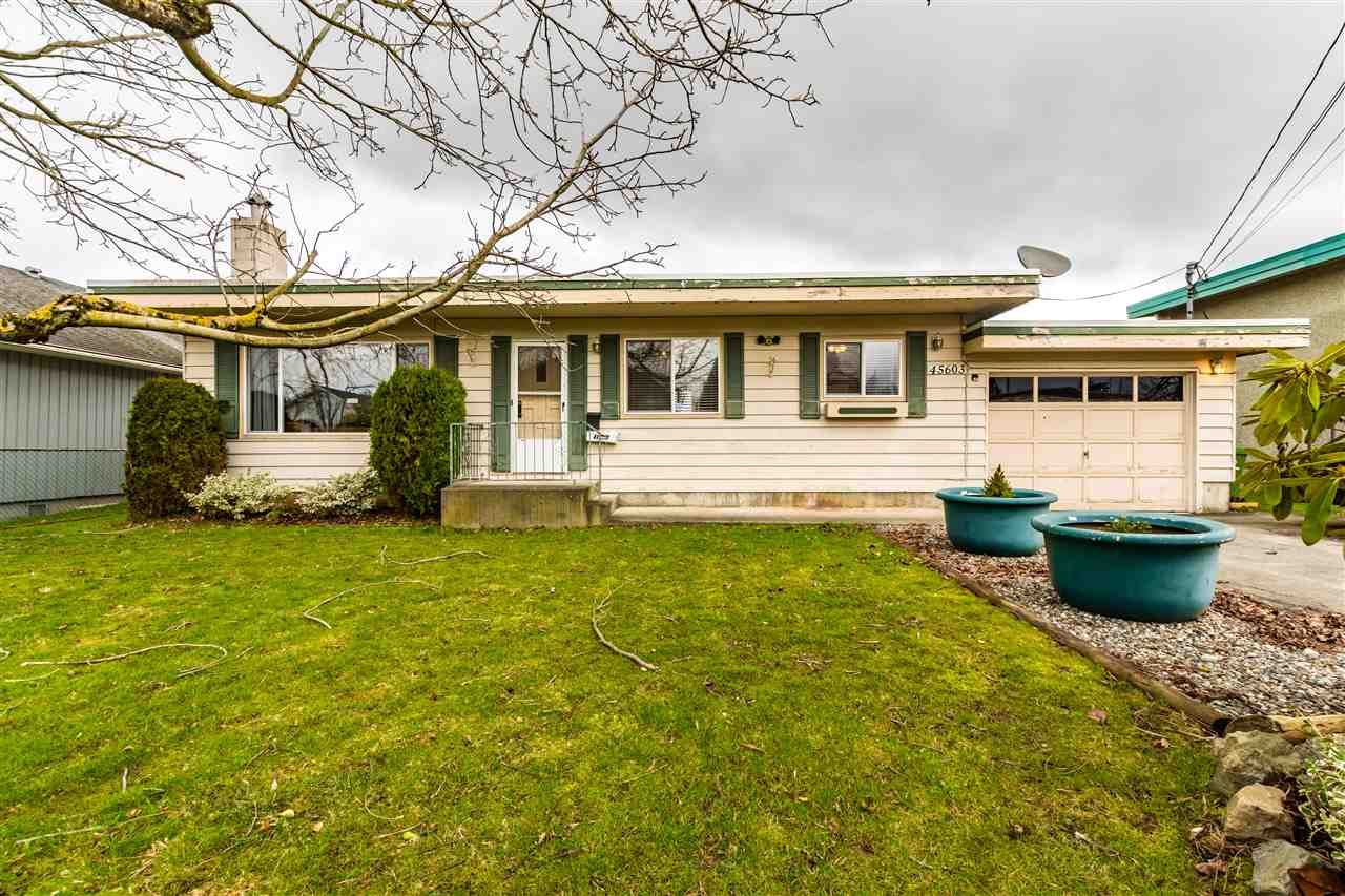 Main Photo: 45603 REECE Avenue in Chilliwack: Chilliwack N Yale-Well House for sale : MLS®# R2542912