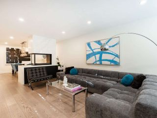 """Photo 10: 5560 YEW Street in Vancouver: Kerrisdale Townhouse for sale in """"The Diplomat"""" (Vancouver West)  : MLS®# R2553086"""