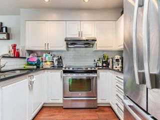 """Photo 6: 401 3480 MAIN Street in Vancouver: Main Condo for sale in """"Newport on Main"""" (Vancouver East)  : MLS®# R2575556"""