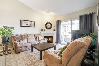 """Photo 8: 7 5760 174 Street in Surrey: Cloverdale BC Townhouse for sale in """"Stetson Village"""" (Cloverdale)  : MLS®# R2559810"""