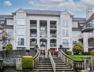 "Photo 1: 104 1655 GRANT Avenue in Port Coquitlam: Glenwood PQ Condo for sale in ""The Benton"" : MLS®# R2532854"