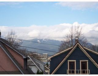 Photo 5: 1783 E 15TH Avenue in Vancouver: Grandview VE 1/2 Duplex for sale (Vancouver East)  : MLS®# V688271
