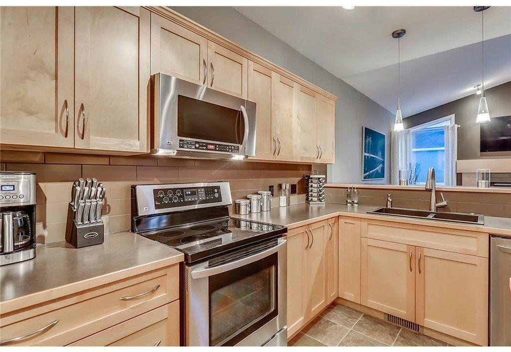 Photo 6: Photos: 434 Boulder Creek Drive SE: Langdon Detached for sale : MLS®# A1066594