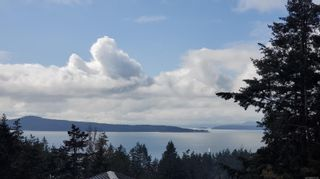 Photo 2: 3703 Signal Hill Rd in : GI Pender Island House for sale (Gulf Islands)  : MLS®# 870335