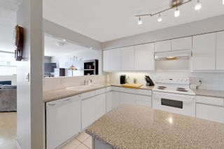 """Photo 17: 701 518 W 14TH Avenue in Vancouver: Fairview VW Condo for sale in """"PACIFICA"""" (Vancouver West)  : MLS®# R2614873"""