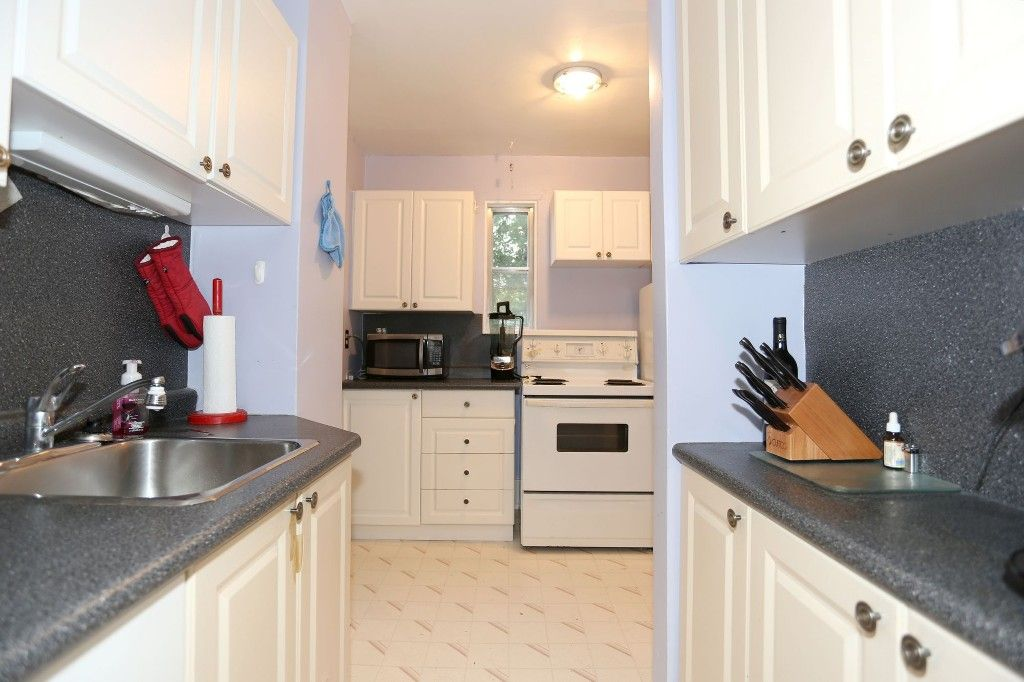 Photo 11: Photos: 834 Oakenwald Avenue in Winnipeg: Fort Garry Single Family Detached for sale (1J)  : MLS®# 1718606