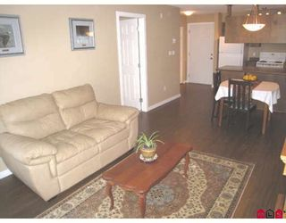 """Photo 15: 113 33960 OLD YALE Road in Abbotsford: Central Abbotsford Condo for sale in """"OLD YALE HEIGHTS"""" : MLS®# F2903317"""