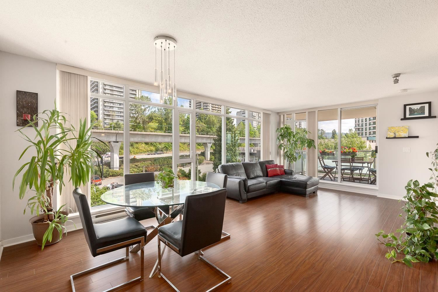 Main Photo: 503 2133 DOUGLAS Road in Burnaby: Brentwood Park Condo for sale (Burnaby North)  : MLS®# R2616202