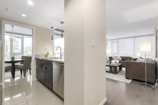 "Photo 2: 702 1887 CROWE Street in Vancouver: False Creek Condo for sale in ""PINNACLE LIVING"" (Vancouver West)  : MLS®# R2161379"