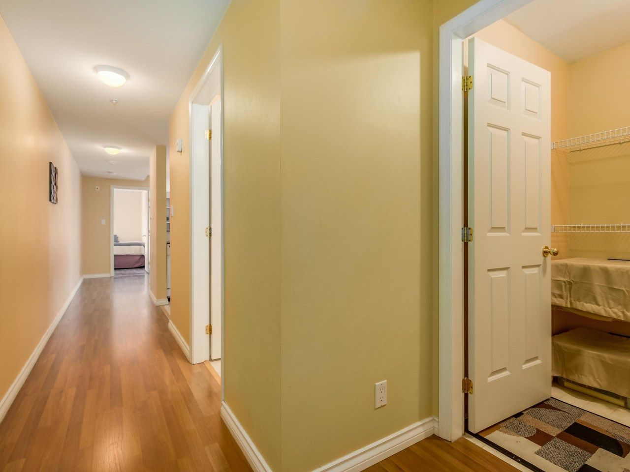 """Photo 9: Photos: 304 137 W 17 Street in North Vancouver: Central Lonsdale Condo for sale in """"Westgate"""" : MLS®# R2075830"""