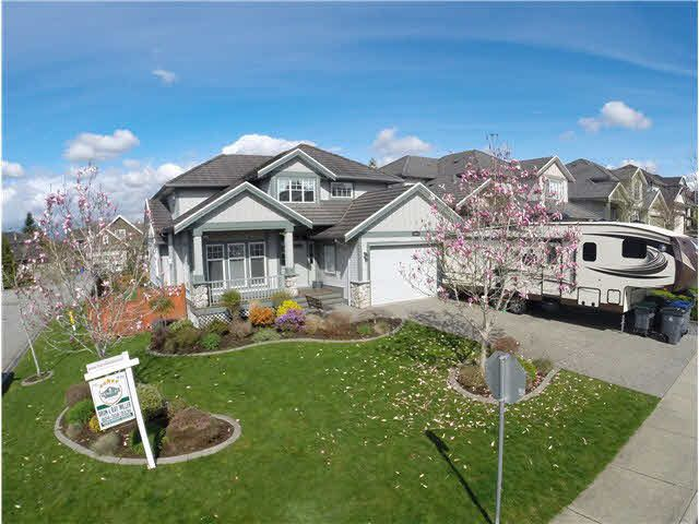 Main Photo: 18261 CLAYTONWOOD CRESCENT in : Cloverdale BC House for sale : MLS®# F1435926
