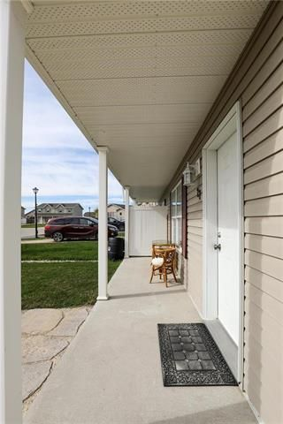 Photo 7: 27 FAIRMONT Crescent in Steinbach: R16 Residential for sale : MLS®# 1911291