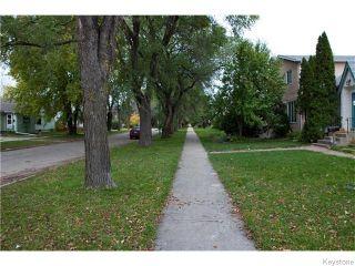 Photo 2: 434 De La Morenie Street in Winnipeg: St Boniface Residential for sale (2A)  : MLS®# 1626732