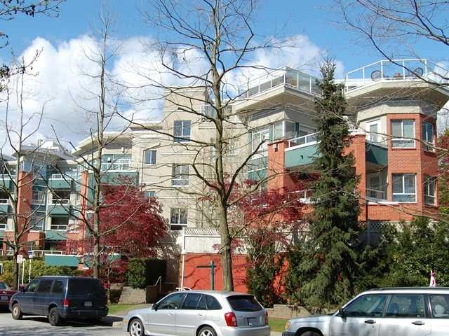 Main Photo: #215 128 W 8th St in North Vancouver: Central Lonsdale Condo  : MLS®# V822112