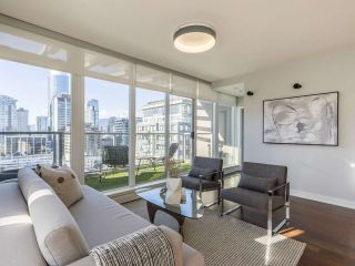 """Photo 17: 2001 1055 RICHARDS Street in Vancouver: Downtown VW Condo for sale in """"Donovan"""" (Vancouver West)  : MLS®# R2555936"""