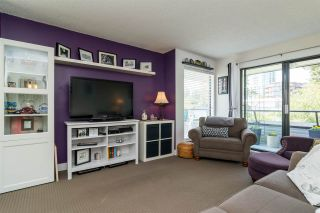 """Photo 3: 304 1341 GEORGE Street: White Rock Condo for sale in """"Oceanview Apartments"""" (South Surrey White Rock)  : MLS®# R2173769"""