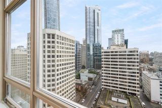 """Photo 4: 1901 1200 ALBERNI Street in Vancouver: West End VW Condo for sale in """"PALISADES"""" (Vancouver West)  : MLS®# R2560668"""