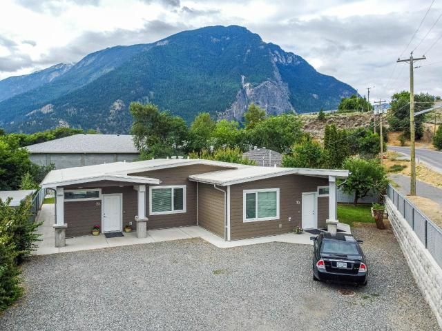 Main Photo: 70 (A&B) MOUNTAINVIEW ROAD: Lillooet Full Duplex for sale (South West)  : MLS®# 163009