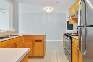 """Photo 12: 303 22722 LOUGHEED Highway in Maple Ridge: East Central Condo for sale in """"Mark's Place"""" : MLS®# R2538251"""