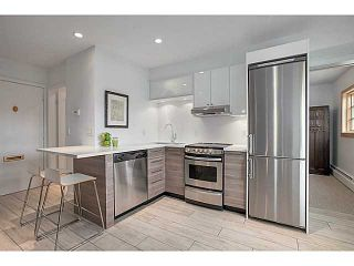 """Photo 6: A&B 120 W 17TH Street in North Vancouver: Central Lonsdale Condo for sale in """"THE OLD COLONOY"""" : MLS®# V1035638"""