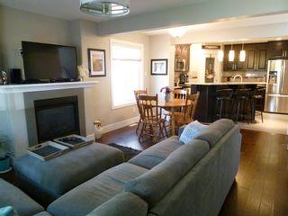 Photo 3: 10914 71 Avenue in Edmonton: Zone 15 House Half Duplex for sale : MLS®# E4246605