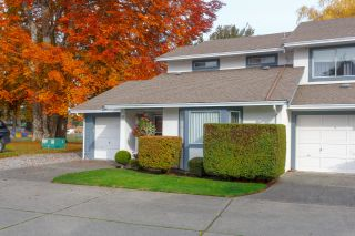 Photo 2: Townhouse For Sale Colwood