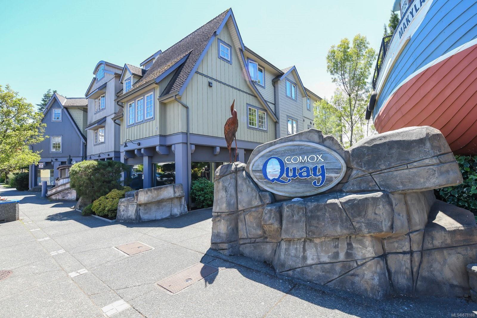 Main Photo: 201 1695 Comox Ave in : CV Comox (Town of) Condo for sale (Comox Valley)  : MLS®# 878188