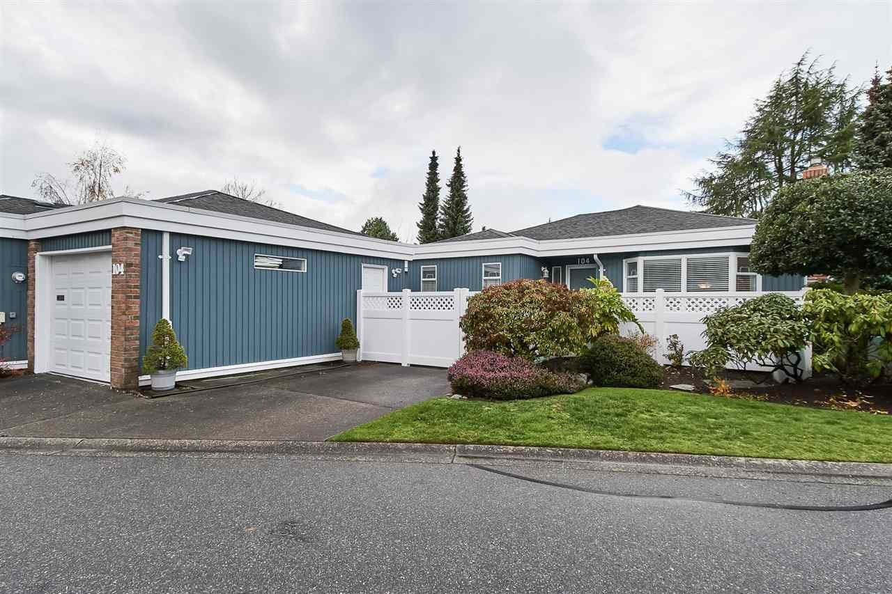 """Main Photo: 104 14271 18A Avenue in Surrey: Sunnyside Park Surrey Townhouse for sale in """"Ocean Bluff Court"""" (South Surrey White Rock)  : MLS®# R2337440"""